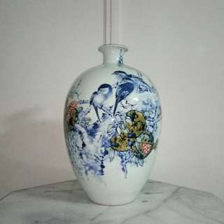 Vase With Artist Certificate height 39cm perfect condition
