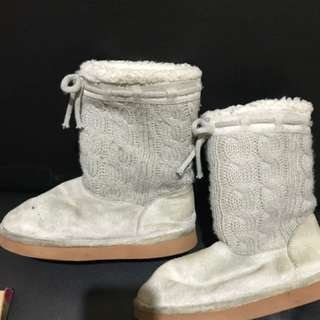 H&m's boots