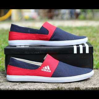 New! CP slip on navy mix red