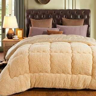 清貨大特價冬天必備 皮爾卡丹冬季加厚羊羔絨冬被褥啡色 1.2m1.5m1.8米床墊