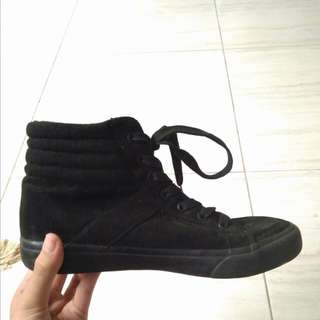 RUBI - Black Sk8ter Shoes
