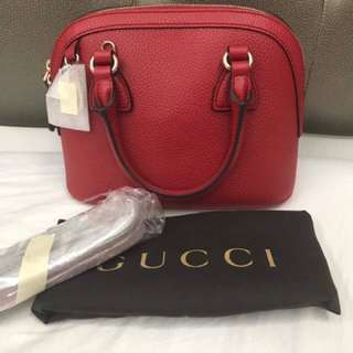 Gucci leather sling