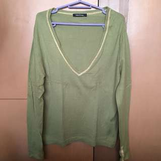 Folded & Hung Pullover