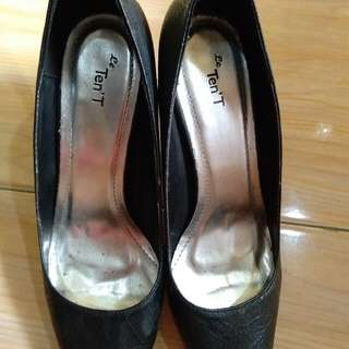 Medan Sepatu kerja wanita