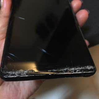 Samsung Note 8 (Cracked Screen)