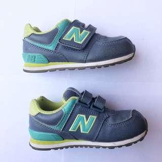 New Balance Shoes - Sepatu New Balance size 25