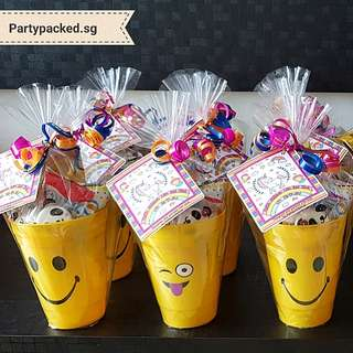 Party gifts_Smiley Face Cups