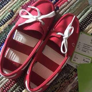 REPRICED!! Orig crocs boat shoe