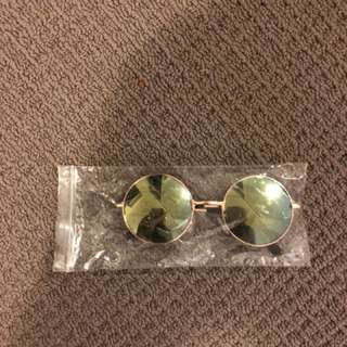 NEW- round reflective glasses