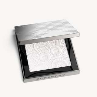Burberry Fresh Glow Highlighter in No 1 in White - 100% Authentic