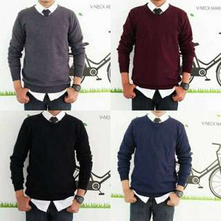 Sweater rajut v-neck cowo