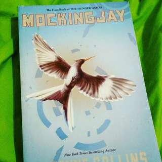 Mockingjay - Suzanne Collins. English version