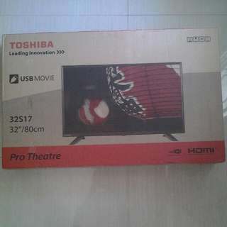 "Toshiba 32"" Pro Theater"