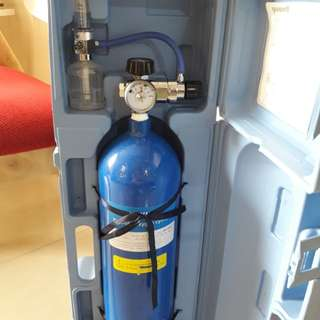 Portable Compact 10L Oxygen Tank with Wheeled Case