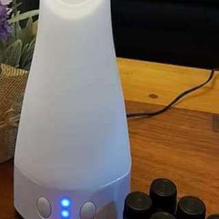 Essential oil or Aromatherapy diffuser (ultrasonic)