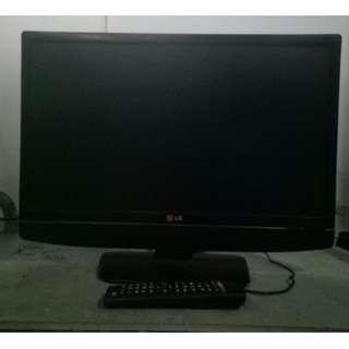 TV LED merk LG 22 inchi bisa buat monitor komputer juga