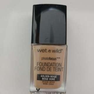 Wet n Wild photo focus foundation golden beige