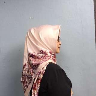 Hijab Murah Terbaru Segiempat