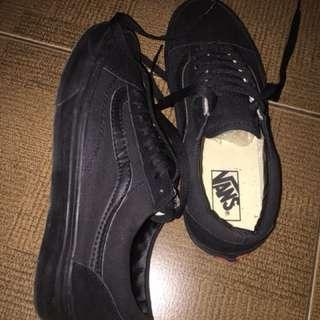 Sepatu Vans oldskool premium full black edisi kekecilan SIZE 41