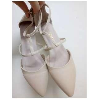 grace gift裸色尖頭鞋