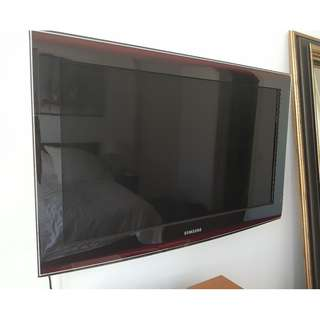 Samsung 32 inch TV Full HD 1080p without stand