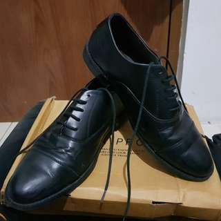 Sepatu Pantofel Oxford Rexler 43 (not wingtip brogues)