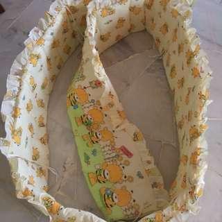 Bumper baby cot