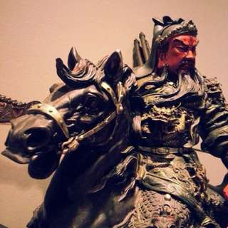 God of war statue