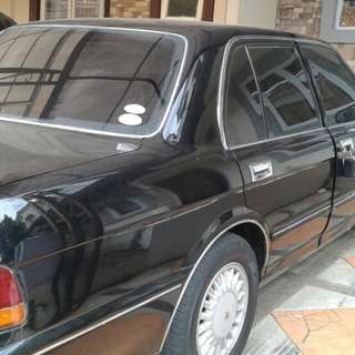 Toyota Crown Royal Saloon tahun 1995