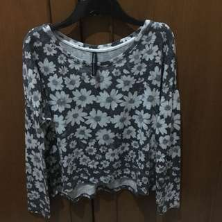 Stradivarius Flowers semi crop long sleeve