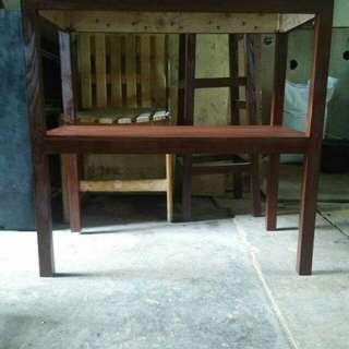 Meja tingkat