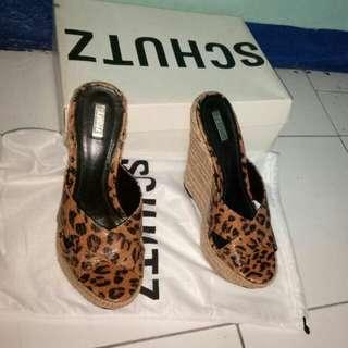 Sepatu original SCHUTZ