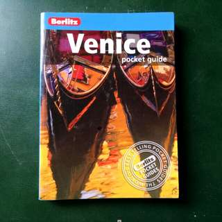 Travel Book,VENICE Pocket Book by Berlitz Publishing
