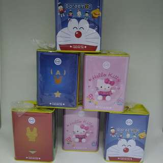 Celengan kotak Hello Kitty & Avenger