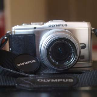 Olympus ep3 with 14-42mm lens