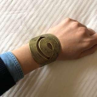 Bronze color bangle