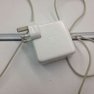 Wts macbook original charger used