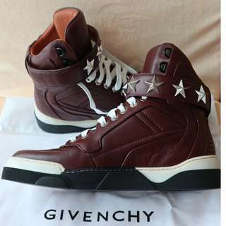GIVENCHY - MID SNEAKER WITH STARS