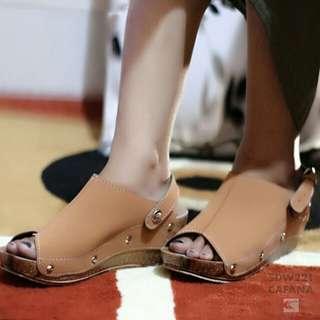 Sandal sepatu wanita wedges elegan