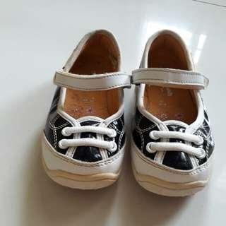 Sepatu OshKosh ORI