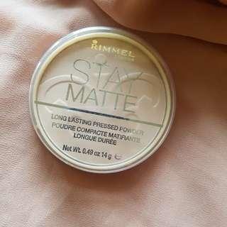 Rimmel Stay Matte Presses Powder (Sandstorm)