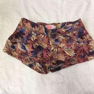 復古葉超短褲