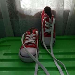 Sepatu converse anak warna merah