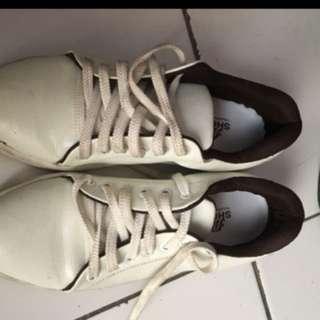 Mica shoesh