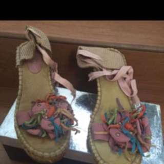 Sandal wedgessize 38