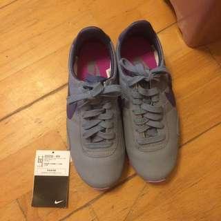 Nike 阿甘鞋 松本惠奈