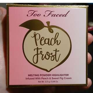 Too faced - peaches and cream - peach frost highlighter