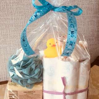 Newborn AND Mama mini diaper cake