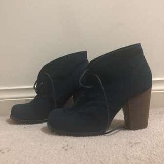 Novo blue boots size 7