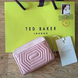 [IS] Ted Baker zipped wallet